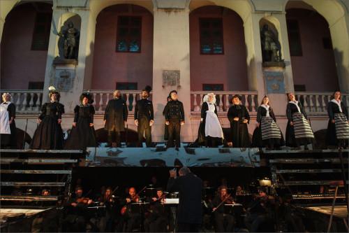 opera16-a
